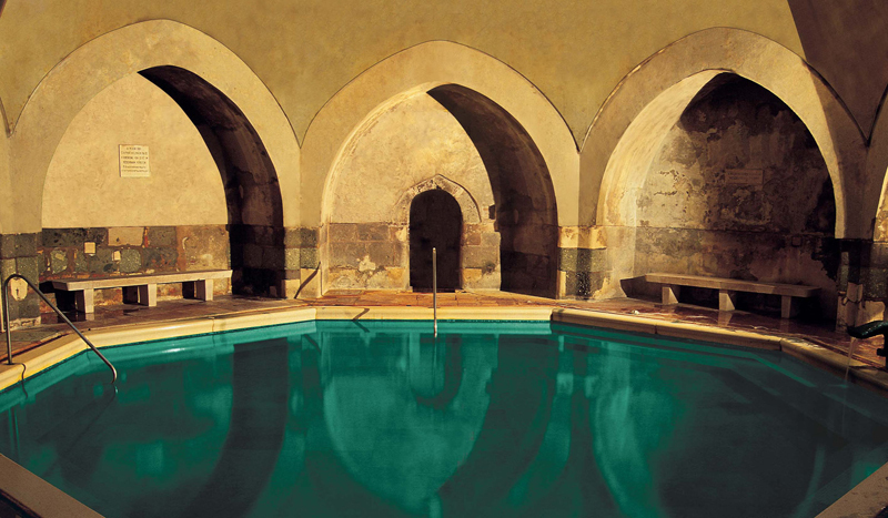Kiraly Bath Budapest indoor thermal pool.jpg