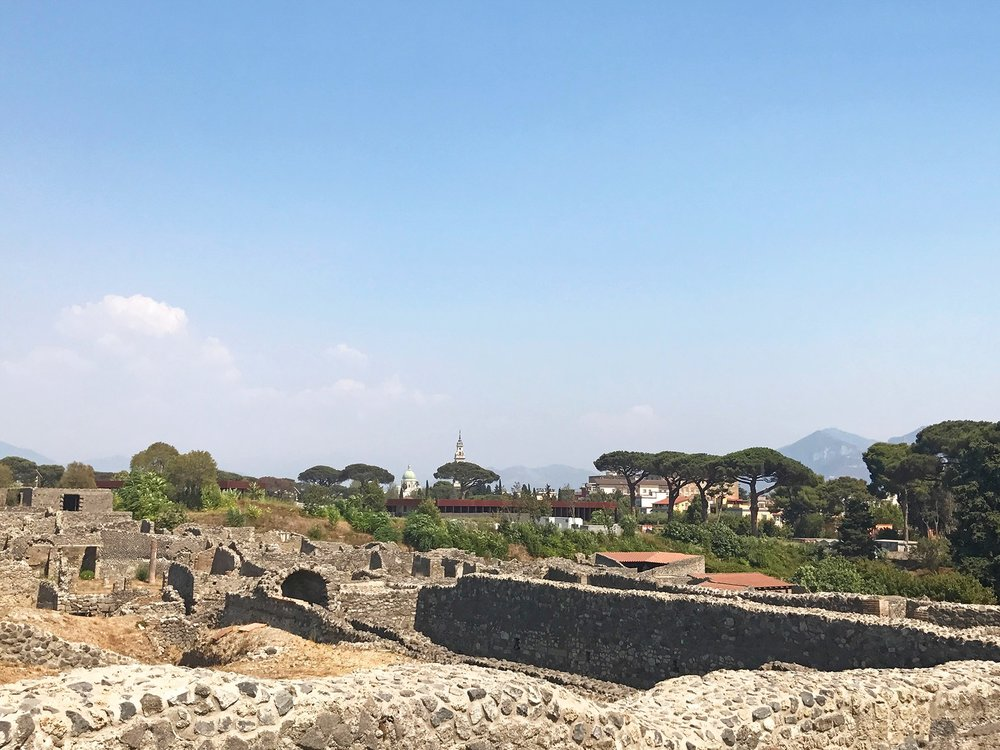 Pompeii-city-views.jpg